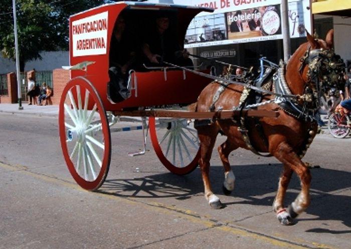 Los tradicionales carritos rojos que identificaban a La Panificación Argentina.