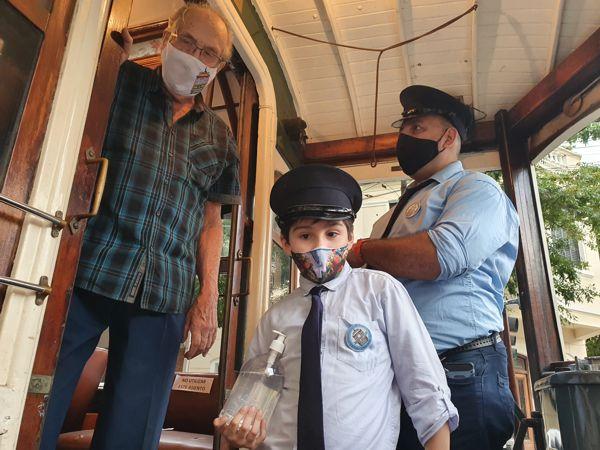 Hasta los socios más jóvenes participaron en el regreso del Tranvía.
