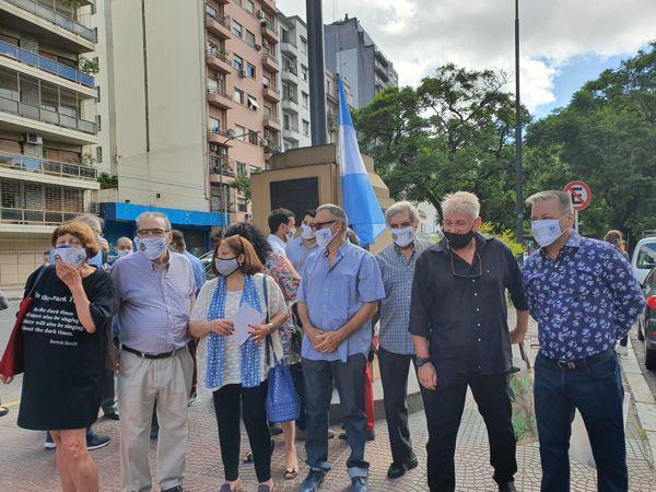 Integrantes de la Asociación de vecinos La Cofradía de Caballito.